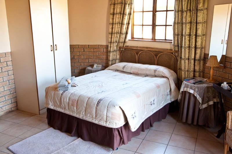 nongoma-lodge-accommodation-kwazulu-natal-zululand-hotel-restaurant-cofee-shop-nongoma-inn1