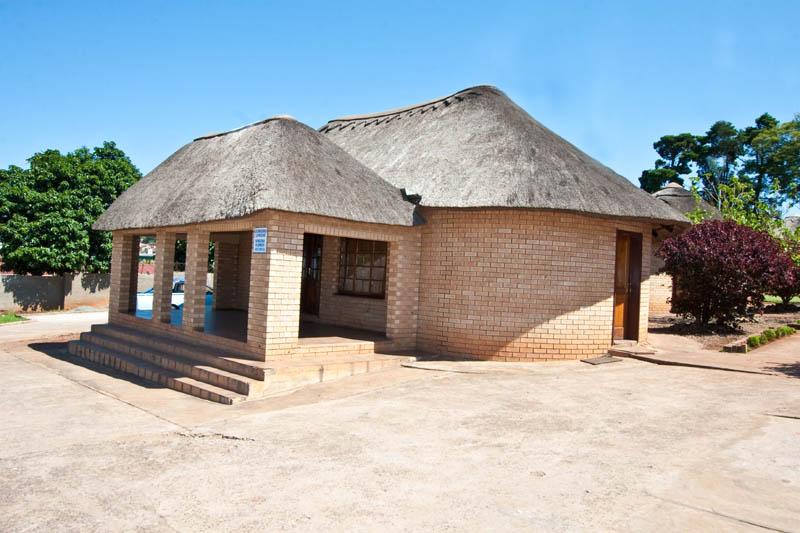 nongoma-lodge-accommodation-kwazulu-natal-zululand-hotel-restaurant-cofee-shop-nongoma-inn11