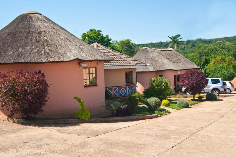 nongoma-lodge-accommodation-kwazulu-natal-zululand-hotel-restaurant-cofee-shop-nongoma-inn24