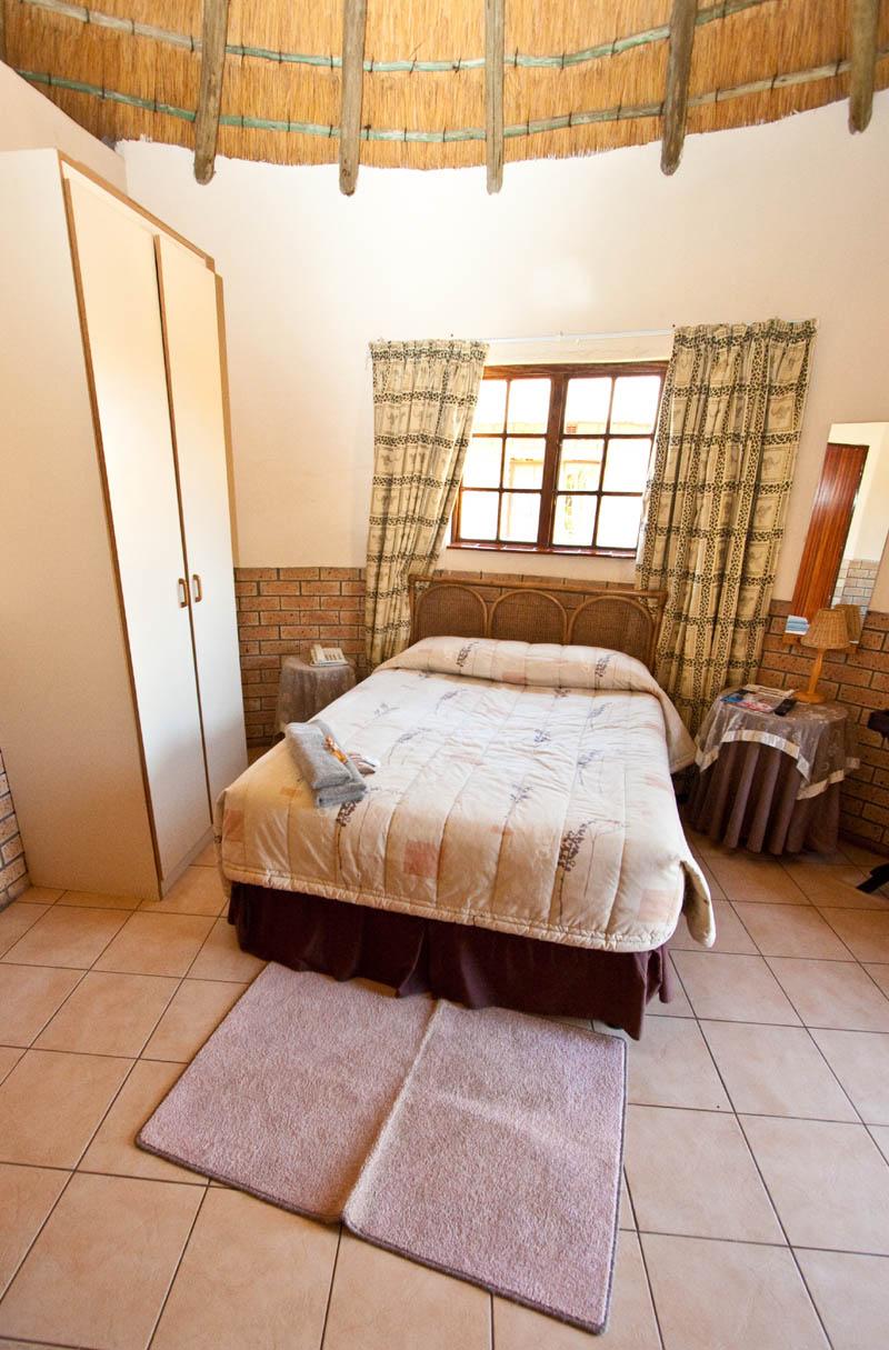 nongoma-lodge-accommodation-kwazulu-natal-zululand-hotel-restaurant-cofee-shop-nongoma-inn6