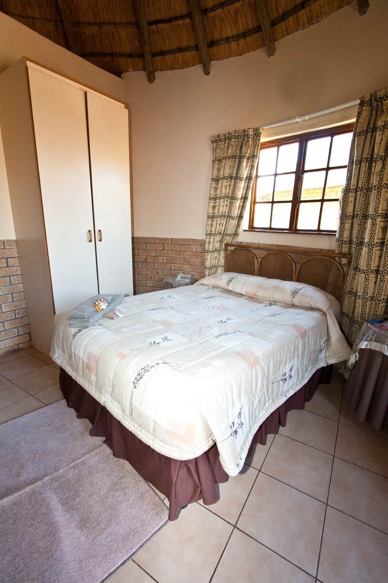 nongoma-lodge-accommodation-kwazulu-natal-zululand-hotel-restaurant-cofee-shop-nongoma-inn9